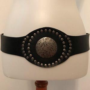 🌺BOGO🌺 black leather studded belt.